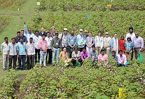 SysCom team photo taken in India, at the Indian trial at BioRe in the Nimar Valley (Horizontal Evaluation 2017)